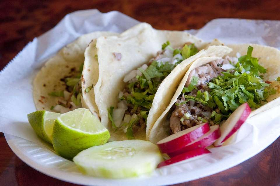 Taqueria Mexico, Riverhead: Many of the patrons at
