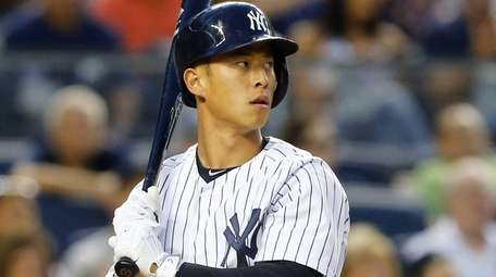 Rob Refsnyder of the New York Yankees bats