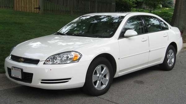 A 2006-2007 Chevrolet Impala photographed in Kensington, Maryland.