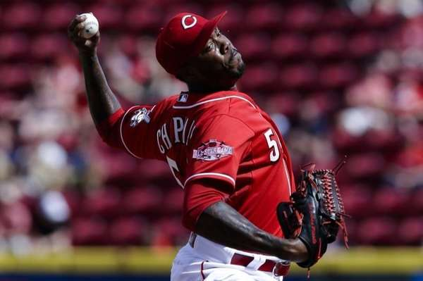 Cincinnati Reds relief pitcher Aroldis Chapman throws in