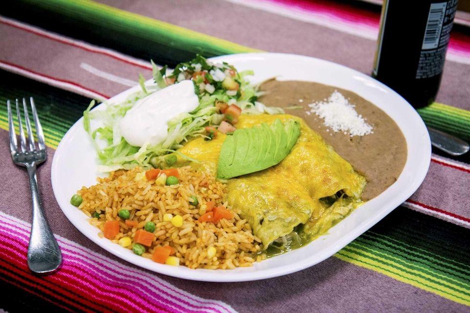 Oaxaca Mexican Food Treasure, Huntington: Unchanged over nearly
