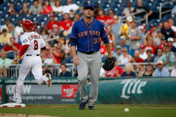 Starting pitcher Matt Harvey #33 of the New