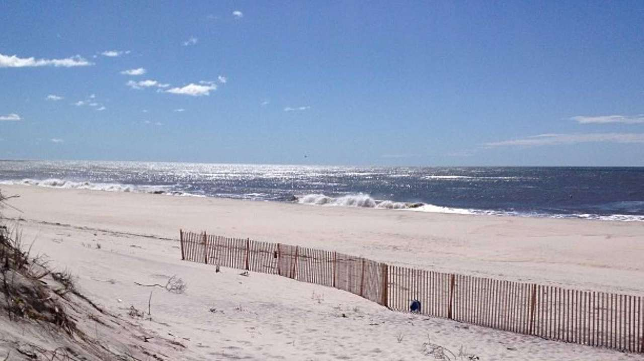 Used Cars Long Island >> Ho-Hum Beach to reopen after lifeguards quit in protest ...