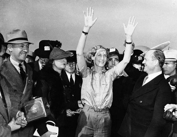 Aviator Beryl Markham arriving in New York, on