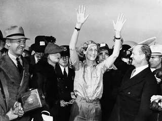 Aviator Beryl Markham arriving in New York, on