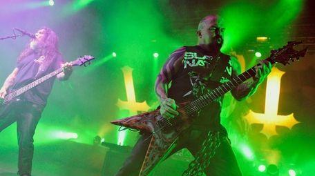 Tom Araya and Kerry King of Slayer perform