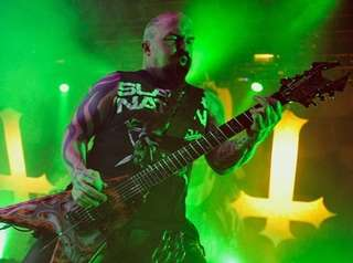 Tom Araya and Kerry King of Slayer perform