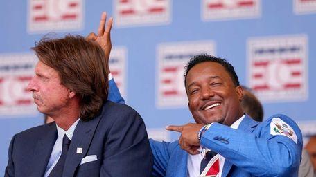 Randy Johnson and Pedro Martinez enjoy the Hall