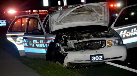 Four people, two of them officers, suffered minor