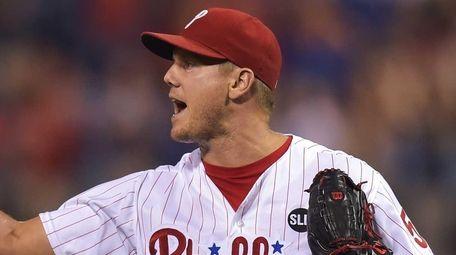 Jonathan Papelbon #58 of the Philadelphia Phillies points