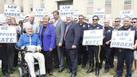 Steven McDonald of Malverne, an NYPD detective who