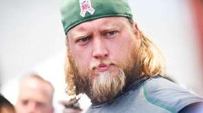 Jets center Nick Mangold reports for training camp