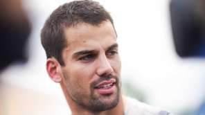 Jets receiver Eric Decker reports for training camp
