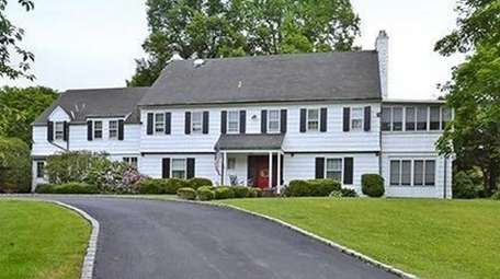 This house at 5 Kohlsaat Ct., Smithtown, is