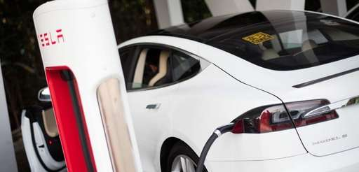 Tesla Motors Inc. is offering $1,000 to new-car