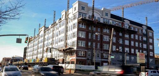 Mill Creek Residential Trust's 275-unit rental apartment building