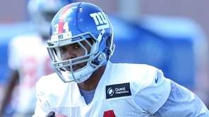 Giants running back Shane Vereen runs the ball