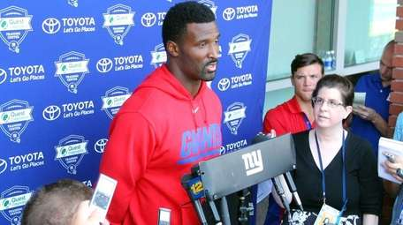 New York Giants wide receiver James Jones speaks