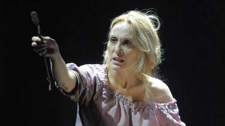 Jan Maxwell's part in