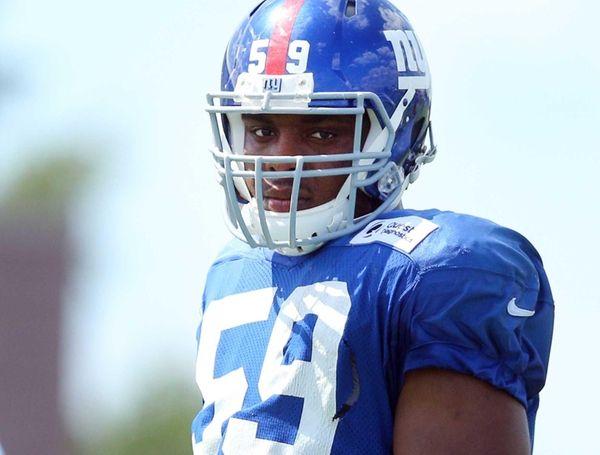 New York Giants linebacker Devon Kennard #59 looks