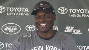 New York Jets head coach Todd Bowles conducts