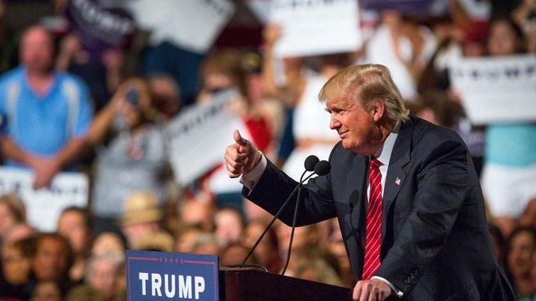 PHOENIX, AZ - JULY 11: Republican Presidential candidate