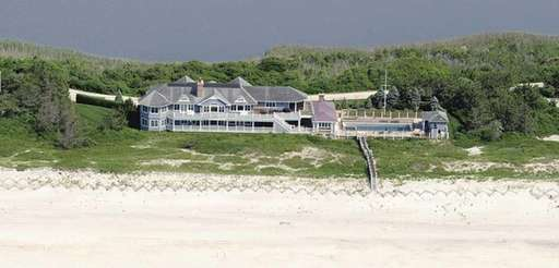 A rare oceanfront estate in Water Mill's Fowler