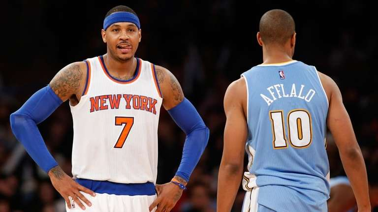 New York Knicks forward Carmelo Anthony (7) reacts