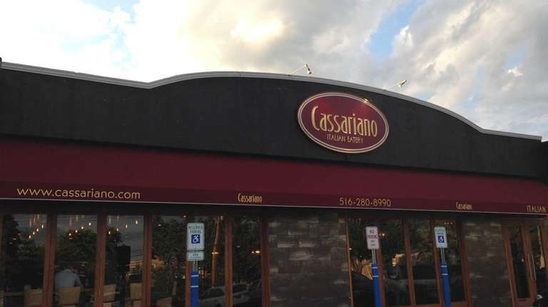 Italian restaurant Cassariano has opened in Mineola, Aug.