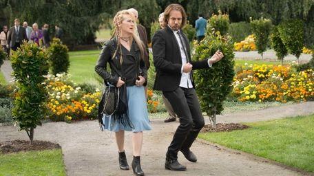 Ricki (Meryl Streep) and Greg (Rick Springfield) star