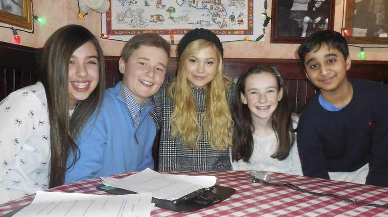 Kidsday reporters from Kellenberg in Uniondale with actress