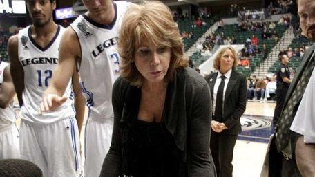 Texas Legends head coach Nancy Lieberman, center, leads
