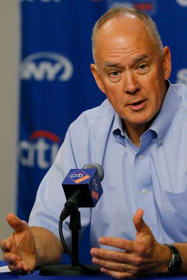 New York Mets general manager Sandy Alderson speaks
