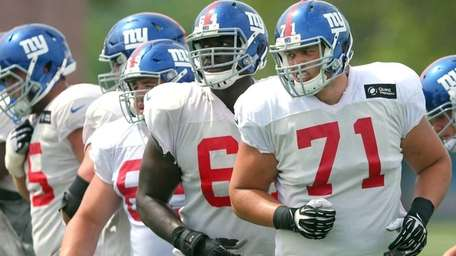 New York Giants tackle Sean Donnelly heads to
