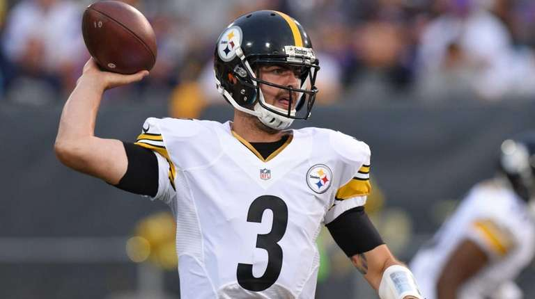 Pittsburgh Steelers quarterback Landry Jones (3) throws a