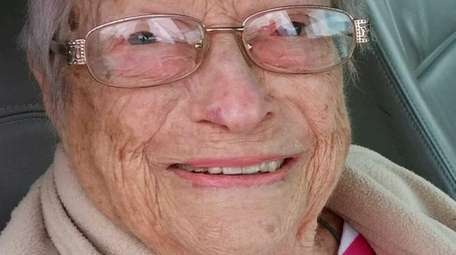 Lillian Rosen, a former crossing guard from Melville,