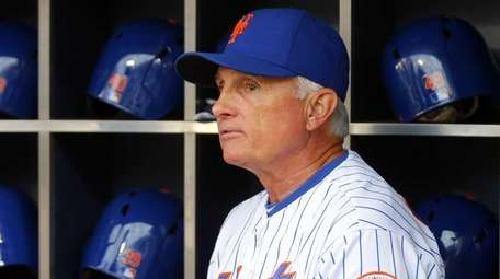 Manager Terry Collins #10 of the New York