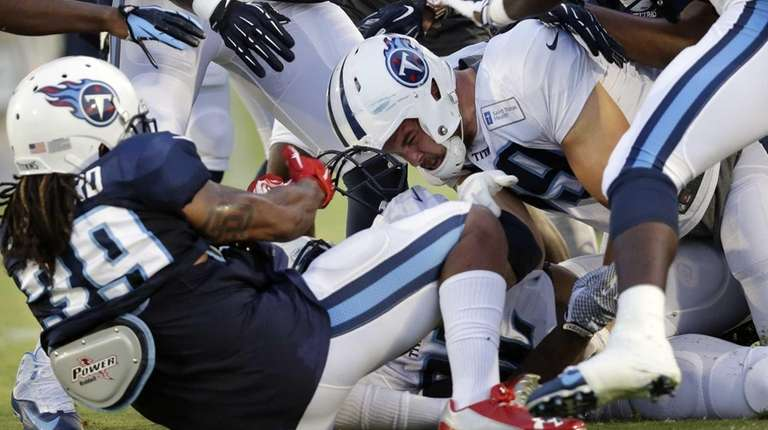 Tennessee Titans strong safety Daimion Stafford (39) pulls