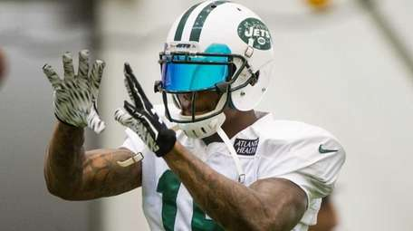 New York Jets wide receiver Brandon Marshall practices