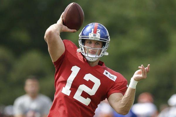 New York Giants quarterback Ryan Nassib throws during