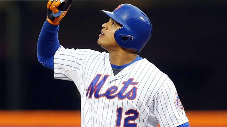 Juan Lagares of the New York Mets reacts