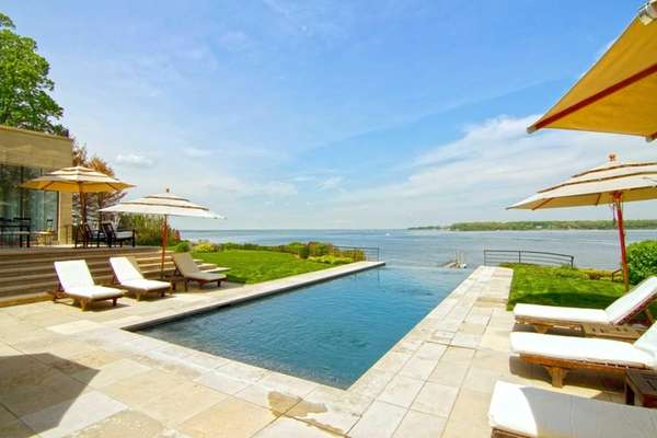 This waterfront Kings Point house on the market