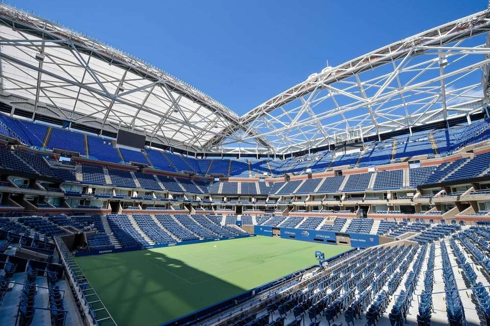 A general view of the retractable roof superstructure