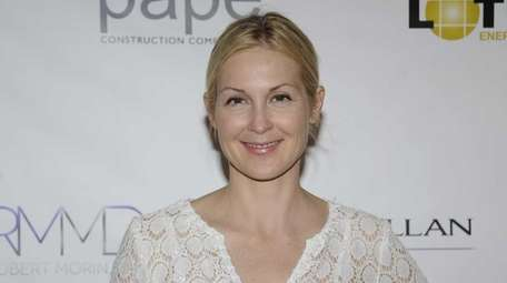 Kelly Rutherford at a Social Life Magazine cover