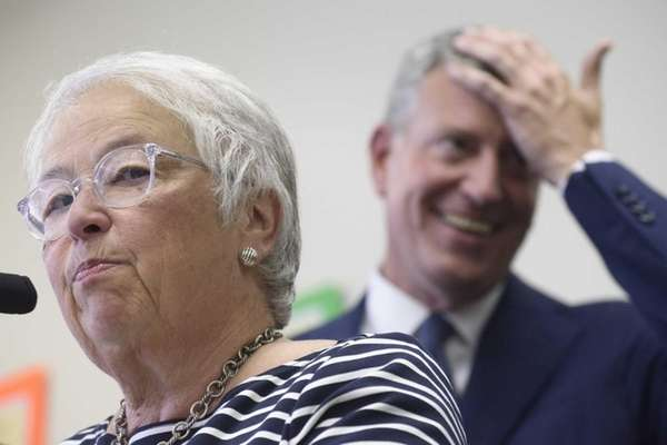 New York City Schools Chancellor Carmen Farina, left,
