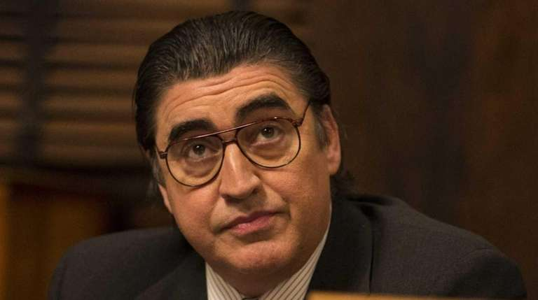 Alfred Molina in