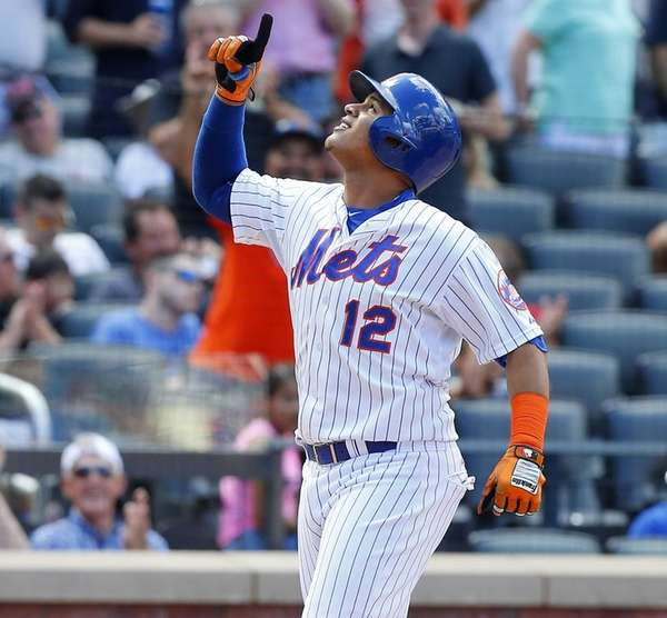 Juan Lagares of the New York Mets celebrates