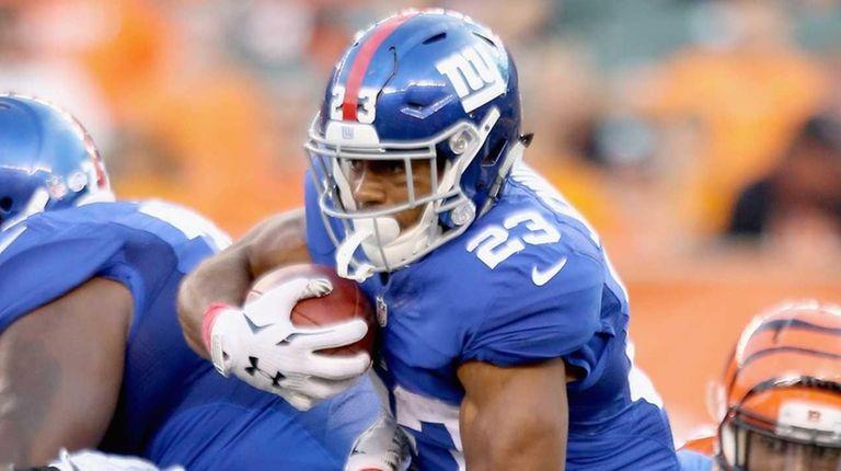 Rashad Jennings of the New York Giants runs