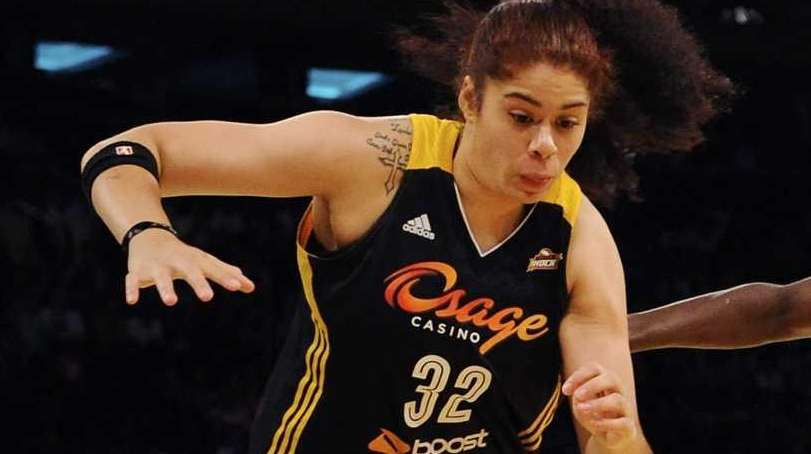 Tulsa Shock center Amanda Zahui B. and New