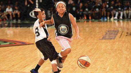 Kymora Johnson of the Charlottesville Cavaliers plays in